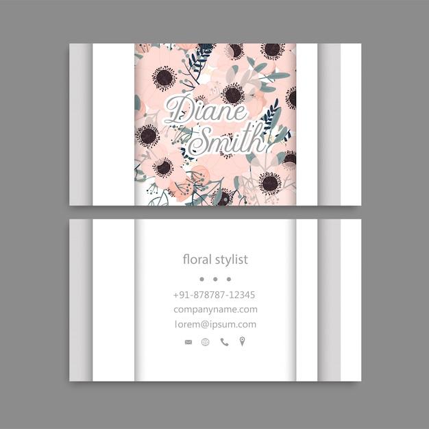 Het malplaatjeadreskaartje van het ontwerp met kleurrijke textuur en bloem, blad, kruid. Gratis Vector
