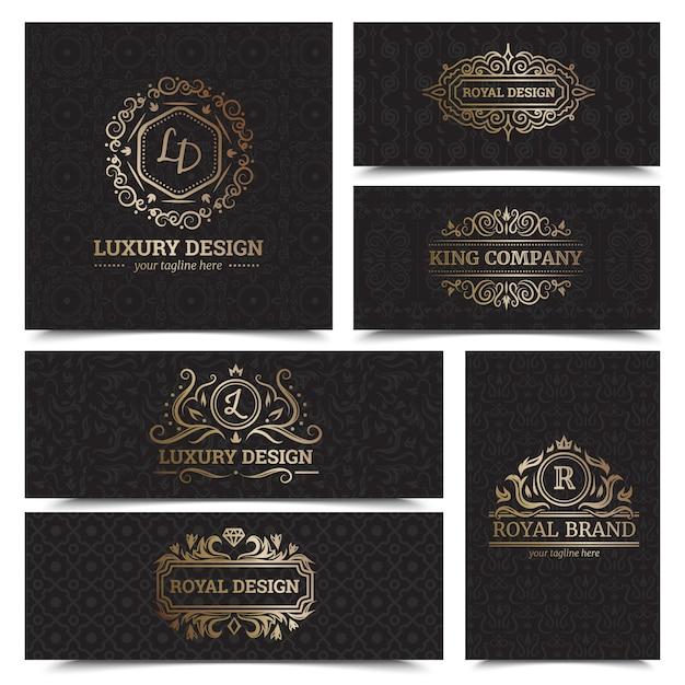 Het ontwerp van luxeproductenetiketten plaatste met koninklijke merksymbolen vlak geïsoleerde vectorillustratie Gratis Vector