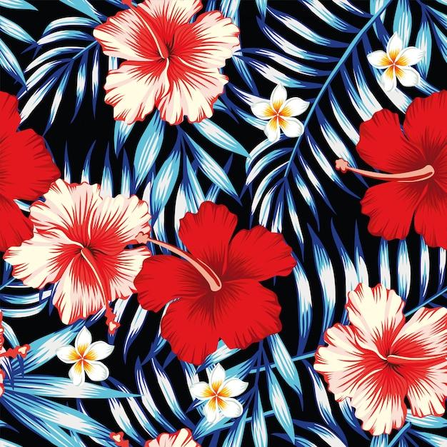 Hibiscusrood en palmbladen blauwe naadloze achtergrond Premium Vector