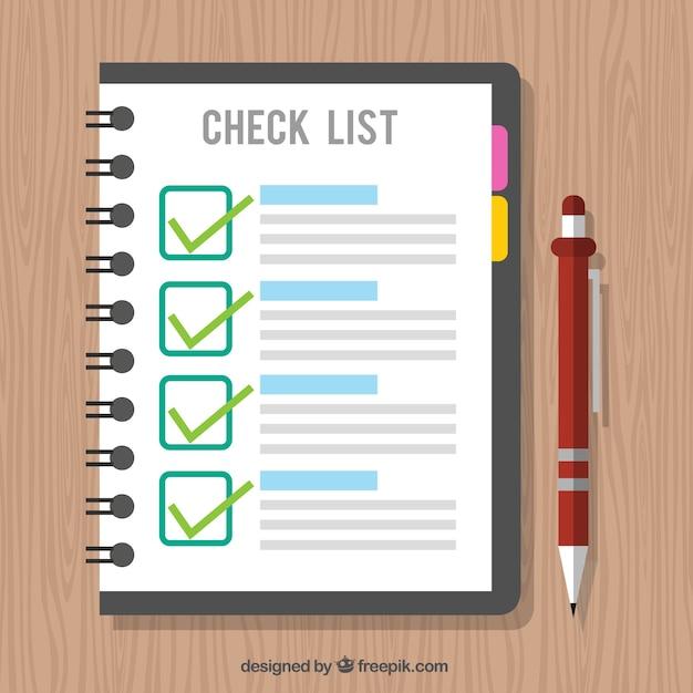 Houten achtergrond met checklist en pen Gratis Vector