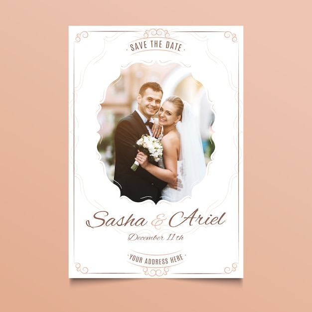 Huwelijkskaart met foto van paar Gratis Vector