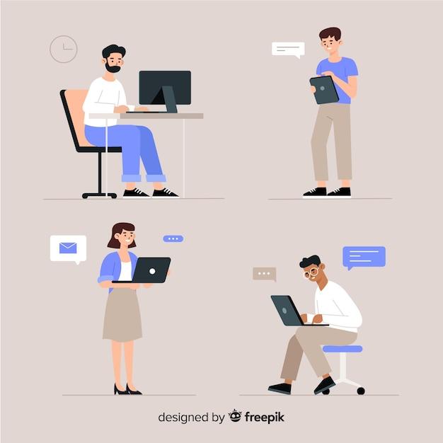 Illustratie van mensen die op kantoor werken Gratis Vector