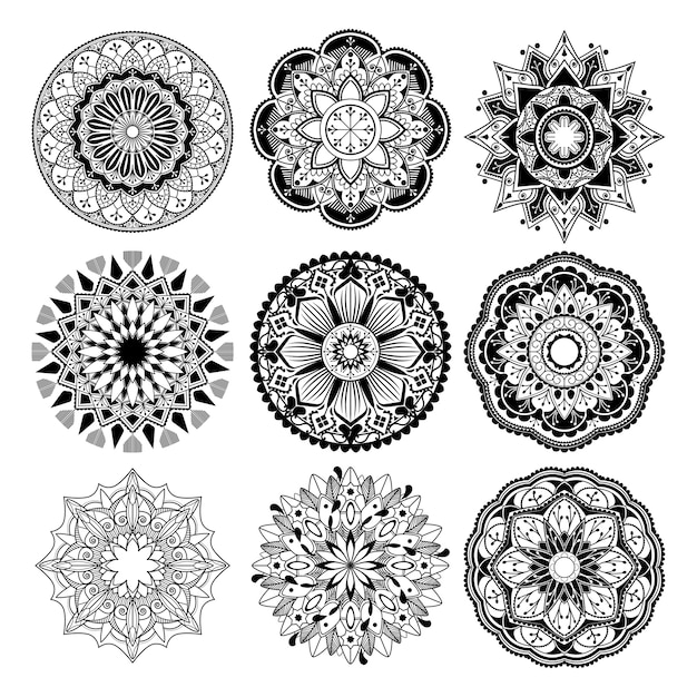 Indiase mandala ontwerp Gratis Vector