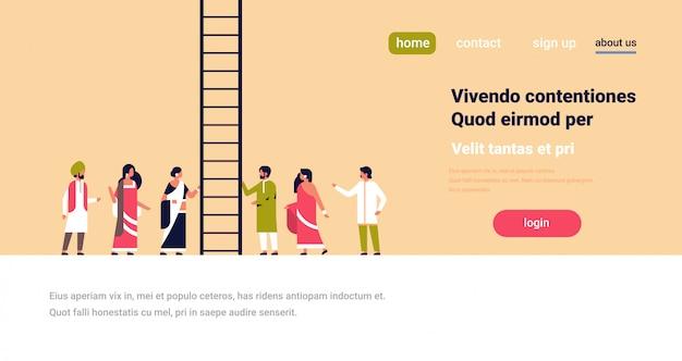 Indische mensen groep klimmen carrièreladder nieuwe kansen op werk Premium Vector