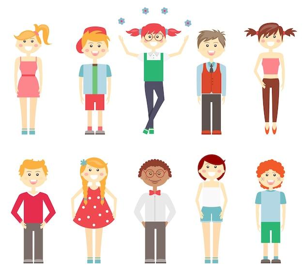 Instellen als vector iconen van kleine kinderen in kleurrijke kleding met multiraciale meisjes en jongens lachen en glimlachen in slimme en casual outfits jurken korte broek en broek geïsoleerd op wit Gratis Vector