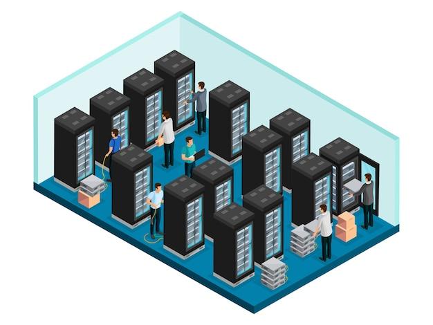 Isometrisch datacenterconcept met ingenieurs in gegevensbeveiligingsserverruimte voor geïsoleerde reparatie en onderhoud van apparatuur Gratis Vector