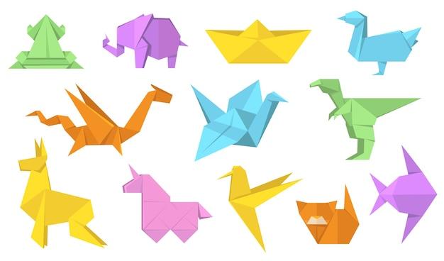 Japanse origami dieren vlakke afbeelding instellen. cartoon veelhoek papieren paard, haas, vogel, kikker, vis en kat geïsoleerde vector illustratie collectie. modern hobby- en ontspanningsconcept Gratis Vector