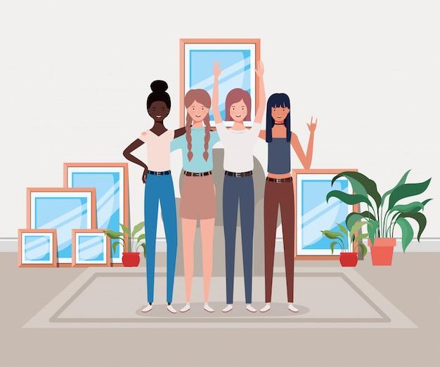 Jonge en mooie meisjes tussen verschillende rassen groep in het huis Premium Vector