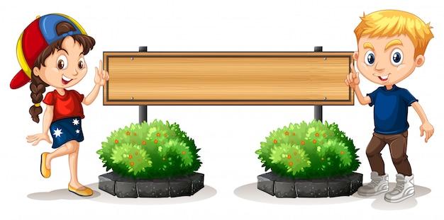 Jongen en meisje door de houten plank Gratis Vector