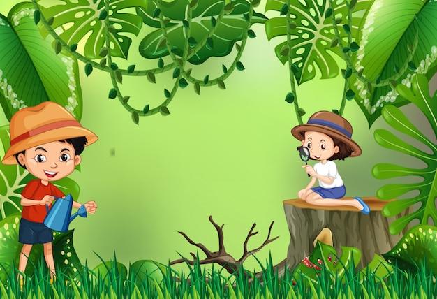 Jongen en meisje in de tuin Gratis Vector