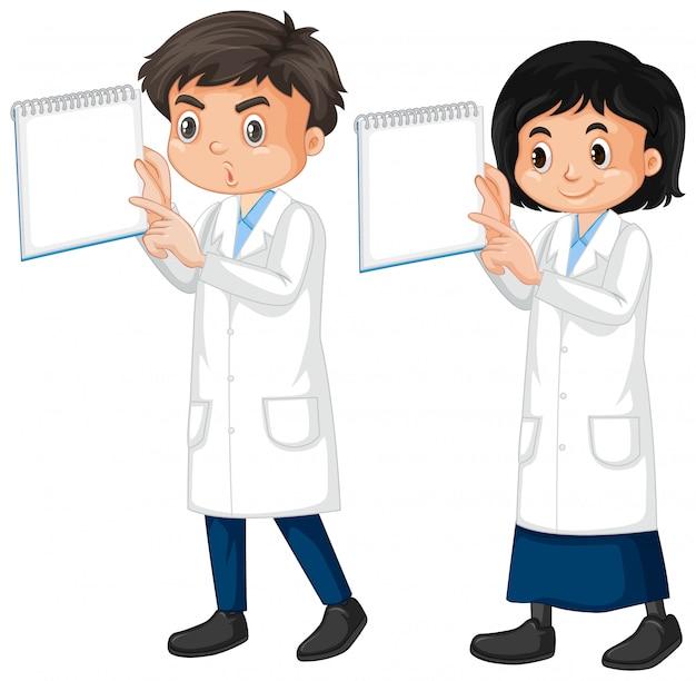 Jongen en meisje in laboratoriumtoga op wit Gratis Vector