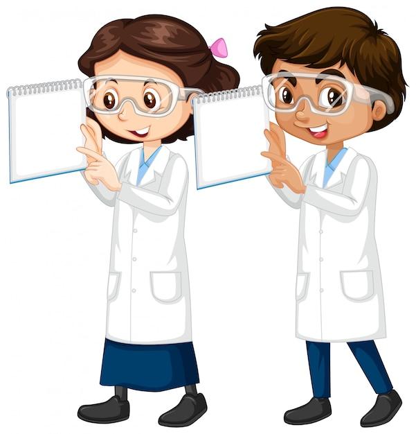Jongen en meisje in wetenschap bedrijf toga notities Gratis Vector