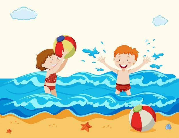 Jongen en meisje spelen op het strand Premium Vector