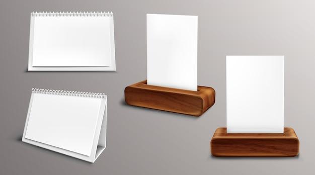 Kalender op houten sokkel, losbladige almanak met blanco pagina's en map. desktop papieren kalender voor- en zijaanzicht, geïsoleerde agenda, sjabloon. realistische 3d-afbeelding, set Gratis Vector