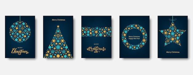 Kerstboom, bal met gouden en blauwe kerstkaart. Premium Vector