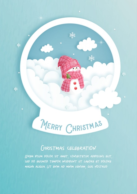 Kerstkaart met sneeuwbal en schattige sneeuwpop in papier gesneden stijl. vector illustratie Premium Vector
