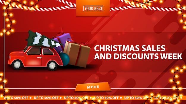 Kerstmisverkoop en kortingsweek, rode horizontale kortingsbanner met knoop, kaderslinger en rode uitstekende auto dragende kerstboom Premium Vector