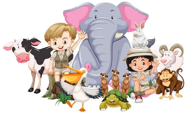 Kinderen en wilde dieren Gratis Vector