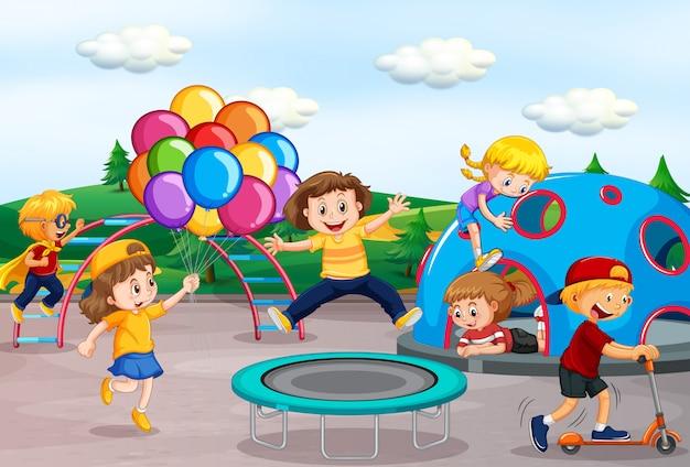 Kinderen spelen op speelplaats Premium Vector