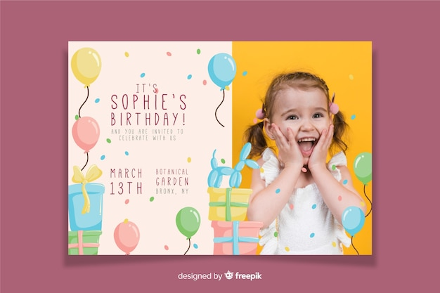 Kinderen verjaardag uitnodiging sjabloon met afbeelding Gratis Vector