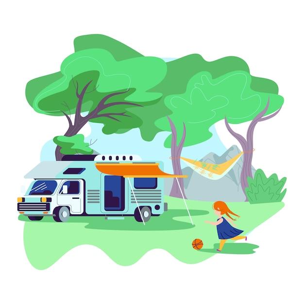 Klein meisje spelen bal in de buurt van motor home auto met luifel permanent in zomerkamp Premium Vector