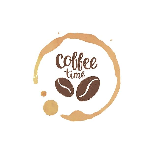 Koffiekopje vlek en druppels met koffie tijd belettering en bonen silhouetten. Premium Vector