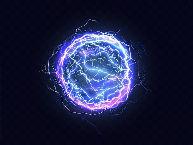 Krachtige elektrische ontlading, blikseminslag plaats realistisch Gratis Vector