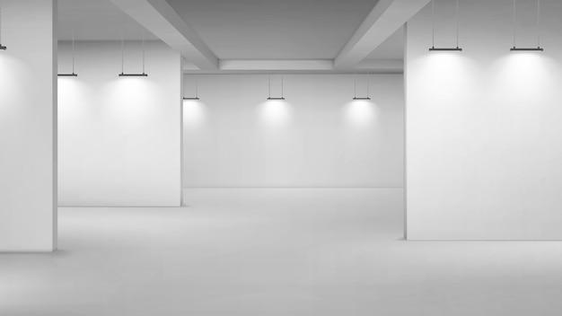 Kunstgalerie leeg interieur, 3d-kamer met witte muren, vloer- en verlichtingslampen. museumpassages met verlichting voor de presentatie van foto's, tentoonstellingsruimte voor fotowedstrijden Gratis Vector