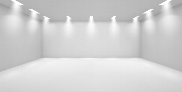 Kunstgalerie lege ruimte met witte muren en lampen Gratis Vector