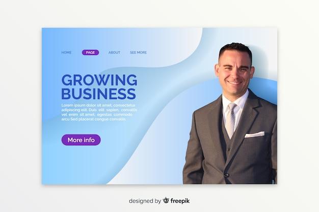 Landende pagina met zakenmanfoto Gratis Vector
