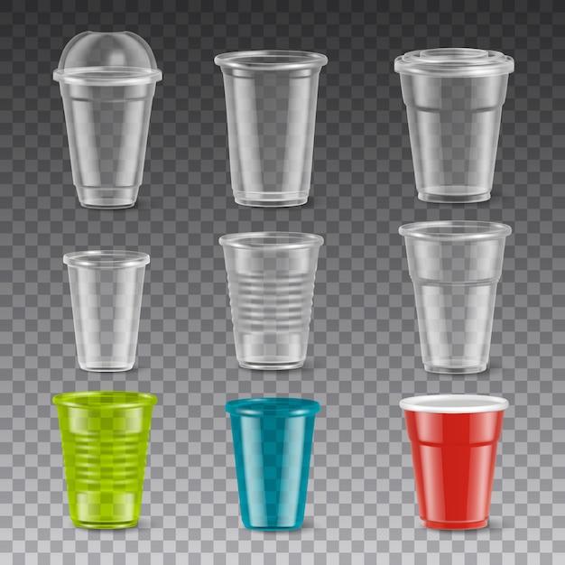 Lege beschikbare kleurrijke plastic glazen met en zonder deksels realistische die reeks op transparante illustratie wordt geïsoleerd als achtergrond Gratis Vector