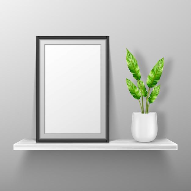 Lege fotolijst staan op witte plank Gratis Vector