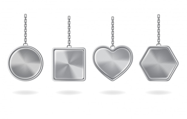 Lege sleutelhangers ingesteld. zilveren hangers met ronde, vierkante, hart- en zeshoekige vormen Gratis Vector