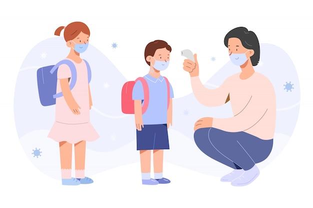 Leraar die de temperatuur van kinderen controleert tijdens covid-19 pandemie, kleine jongen en meisje die gezichtsmaskers dragen Premium Vector