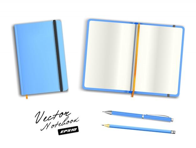 Lichtblauwe open en gesloten voorbeeldenboeksjabloon met elastische band en bladwijzer. realistische briefpapier cerulean lege pen en azuurblauw potlood. notebook illustratie op witte achtergrond. Premium Vector
