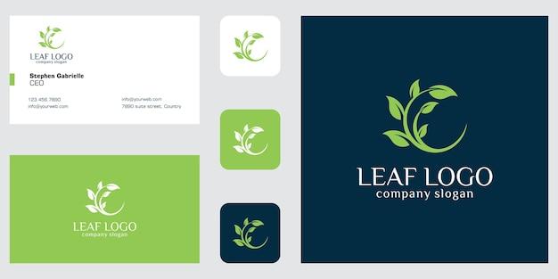 Logo blad en boom en visitekaartje Premium Vector