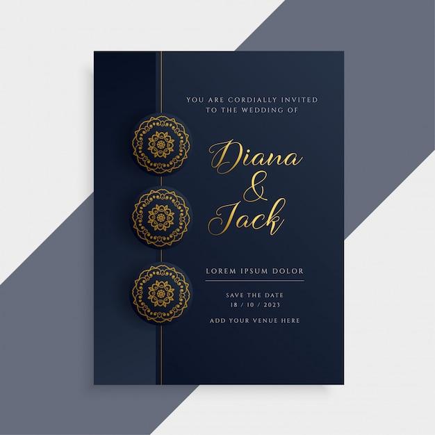 Luxe bruiloft uitnodiging kaart ontwerp in donkere en gouden kleur Gratis Vector