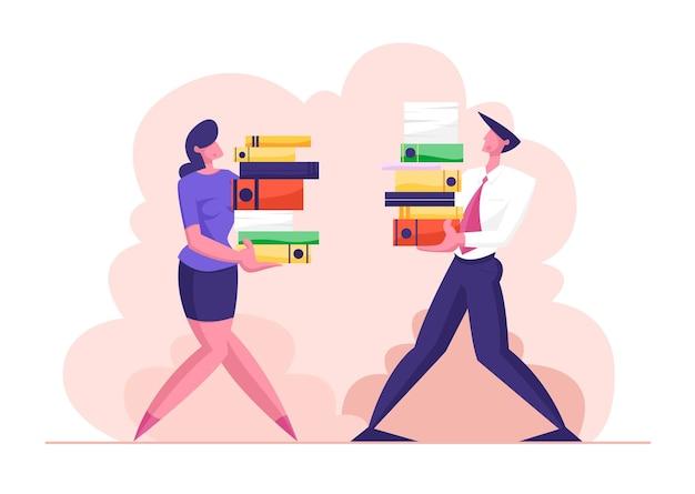 Man en vrouw dragen grote hoop documenten bestanden illustratie Premium Vector