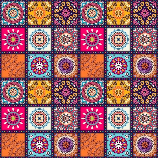 Mandalapatroon ontwerp Gratis Vector