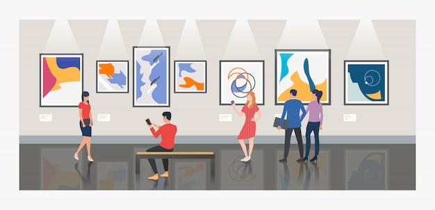Mannen en vrouwen die museum of kunstgallerijillustratie bezoeken Gratis Vector