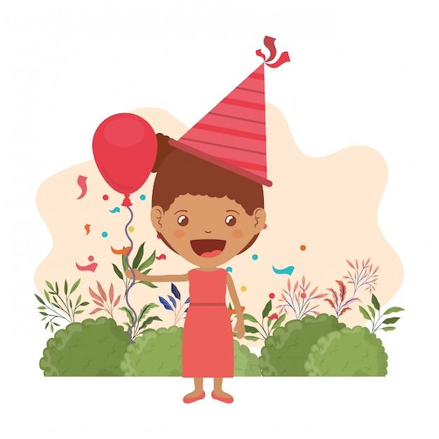 Meisje met feestmuts en heliumballon in verjaardagsviering Premium Vector