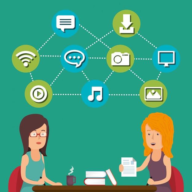Mensen die werken met sociale media iconen Gratis Vector