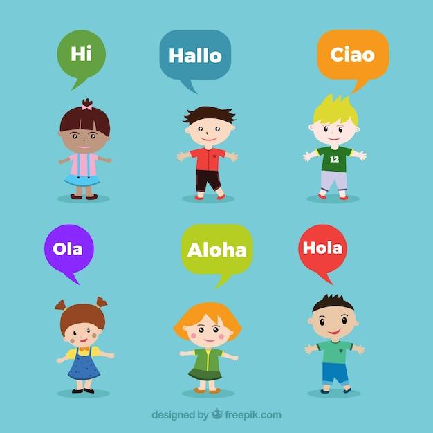 Mensen met tekstballonnen die verschillende talen spreken Gratis Vector