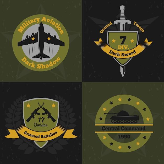 Militaire emblemen kleur ontwerpconcept met platte kleurrijke emblemen van insignes van de oorlogsdienst met wapens Gratis Vector