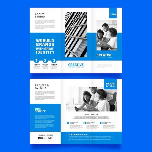 Minimaal driebladig brochure sjabloonontwerp Gratis Vector
