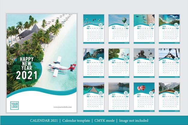 Modern ontwerp 2021 kalendersjabloon Gratis Vector