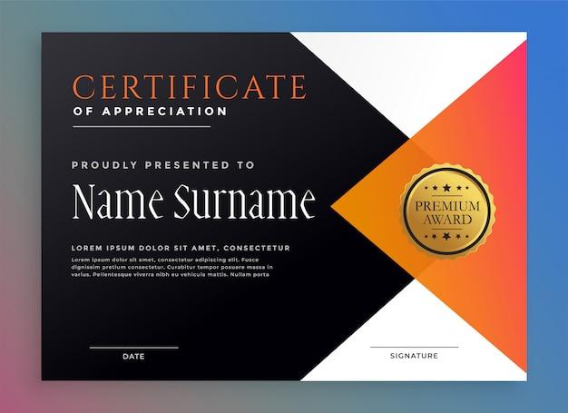 Moderne certificaatsjabloon met gouden badge Gratis Vector