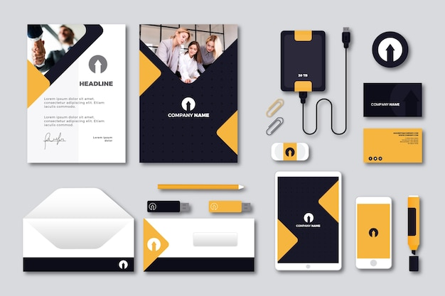 Moderne professionele zakelijke briefpapier set Gratis Vector