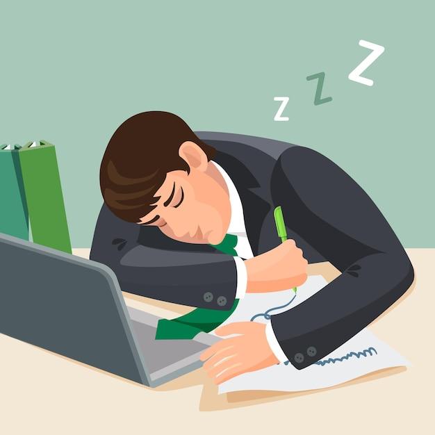 Moe man slapen aan balie. zakenman in pak in slaap vallen op de werkplek. jonge mannelijke slaap in de buurt van notebook met een vel papier en potlood in zijn hand aan tafel. realistische illustratie Premium Vector