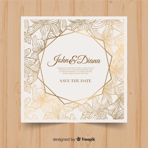 Mooie bloemen bruiloft uitnodiging sjabloon met gouden elementen Gratis Vector